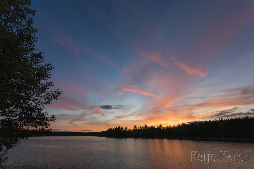 Auringonlasku Hainusjärvellä