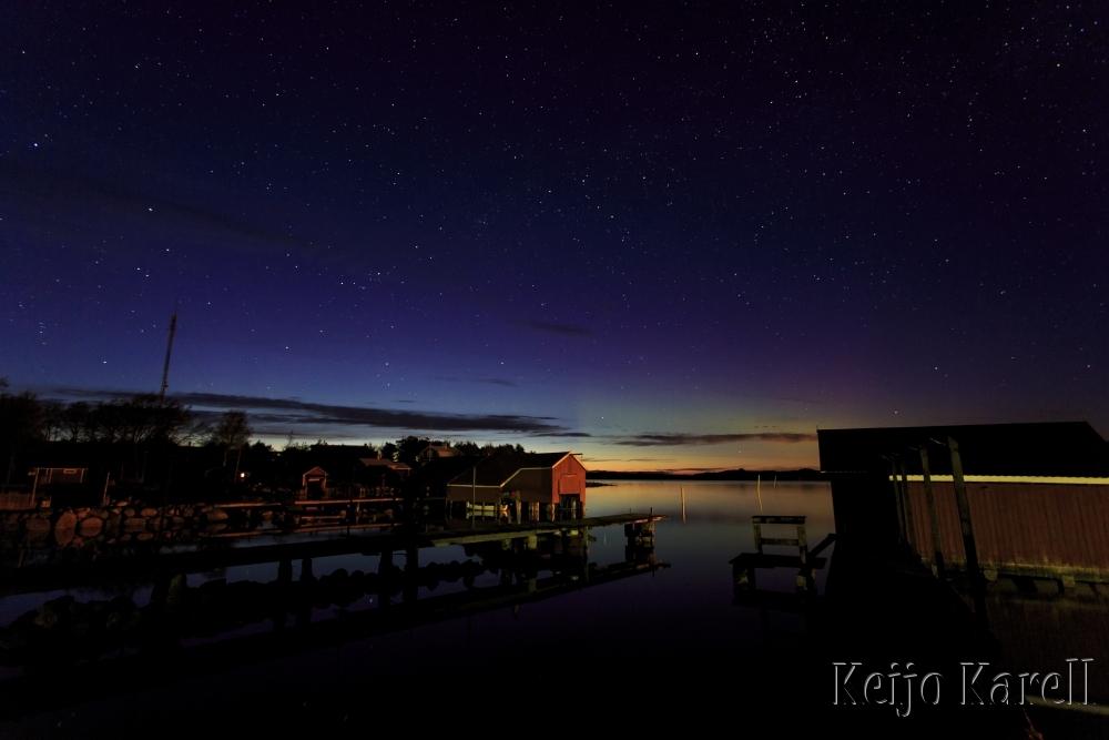 Utön satama yöllä