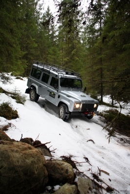 Land Rover Defender 001