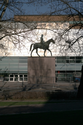 Mannerheimin patsas 001