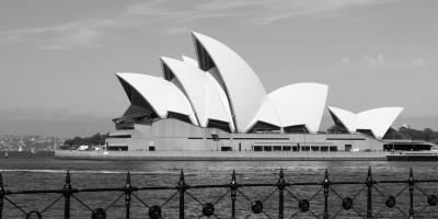 SydneyOperaHouseBW